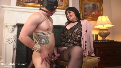 Photo number 12 from The Queen's Slave Training shot for Divine Bitches on Kink.com. Featuring Maitresse Madeline Marlowe  and Reed Jameson in hardcore BDSM & Fetish porn.