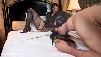 Photo number 21 from The Queen's Slave Training shot for Divine Bitches on Kink.com. Featuring Maitresse Madeline Marlowe  and Reed Jameson in hardcore BDSM & Fetish porn.
