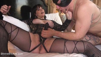 Photo number 23 from The Queen's Slave Training shot for Divine Bitches on Kink.com. Featuring Maitresse Madeline Marlowe  and Reed Jameson in hardcore BDSM & Fetish porn.