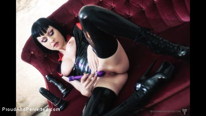 Photo number 4 from VIOLET SQUIRTS: Bizarre Violet shot for Proud and Perverted on Kink.com. Featuring  in hardcore BDSM & Fetish porn.