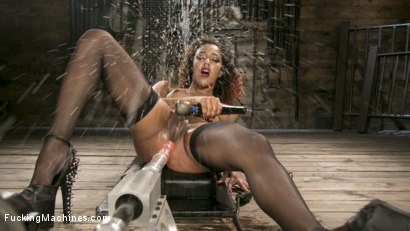 Ebony Squirt Queen Daisy Ducati Gets Royal Fucking Machines Treatment!