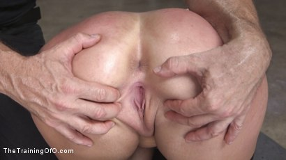 Photo number 27 from Newbie Skylar Snow Endures and Indulges  shot for The Training Of O on Kink.com. Featuring Skylar Snow  and Small Hands in hardcore BDSM & Fetish porn.