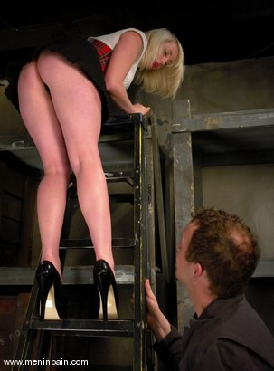 Photo number 1 from Billy and Lorelei Lee shot for Men In Pain on Kink.com. Featuring Billy and Lorelei Lee in hardcore BDSM & Fetish porn.