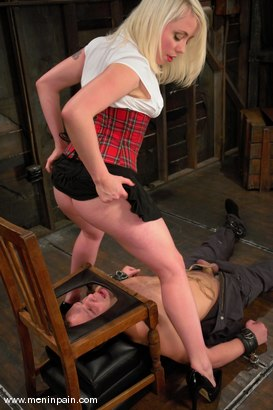 Photo number 2 from Billy and Lorelei Lee shot for Men In Pain on Kink.com. Featuring Billy and Lorelei Lee in hardcore BDSM & Fetish porn.