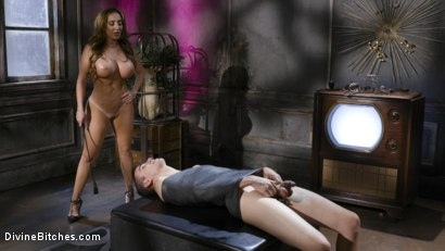 Photo number 18 from Dangerous Curves Ahead:Trustfund Kid is Dominated by Fierce Curvy Babe shot for Divine Bitches on Kink.com. Featuring Richelle Ryan and Casey V in hardcore BDSM & Fetish porn.