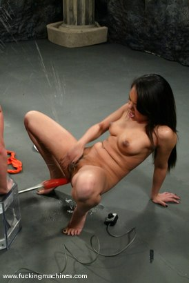 Photo number 2 from FLOWER TUCCI  vs.  ANNIE CRUZ in<br>THE GREAT FUCK OFF OLYMPICS: THE SQUIRTING CHALLENGE shot for Fucking Machines on Kink.com. Featuring Annie Cruz and Flower Tucci in hardcore BDSM & Fetish porn.