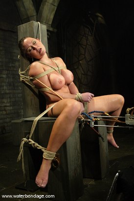 Photo number 11 from Christina Carter shot for Water Bondage on Kink.com. Featuring Christina Carter in hardcore BDSM & Fetish porn.