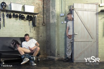 Photo number 1 from Hard Lesson shot for Yesirboys on Kink.com. Featuring Master Aaron and Clyde Walton in hardcore BDSM & Fetish porn.