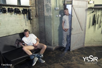 Photo number 3 from Hard Lesson shot for Yesirboys on Kink.com. Featuring Master Aaron and Clyde Walton in hardcore BDSM & Fetish porn.