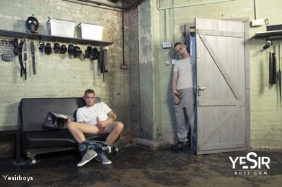 Photo number 4 from Hard Lesson shot for Yesirboys on Kink.com. Featuring Master Aaron and Clyde Walton in hardcore BDSM & Fetish porn.