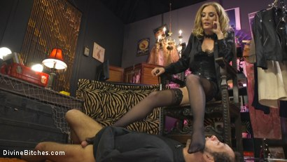 Photo number 20 from Mona Wales Trains Her New Beta Bitch Boytoy shot for Divine Bitches on Kink.com. Featuring Mona Wales and DJ in hardcore BDSM & Fetish porn.