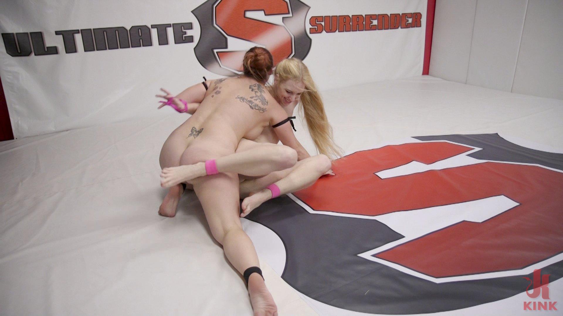 Photo number 9 from Bella Rossi vs Delirious Hunter shot for Ultimate Surrender on Kink.com. Featuring Delirious Hunter and Bella Rossi in hardcore BDSM & Fetish porn.