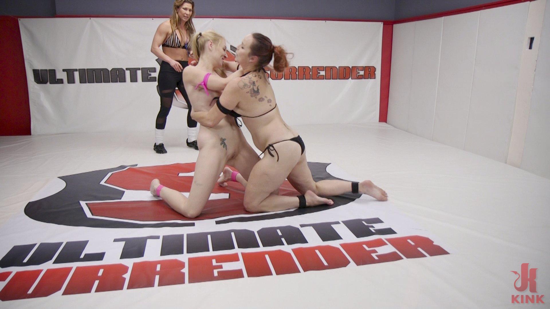 Photo number 5 from Bella Rossi vs Delirious Hunter shot for Ultimate Surrender on Kink.com. Featuring Delirious Hunter and Bella Rossi in hardcore BDSM & Fetish porn.