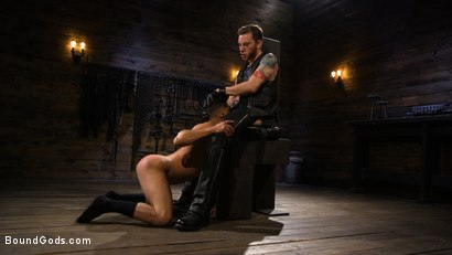 Photo number 1 from New Slave Cesar Xes petitions the House shot for Bound Gods on Kink.com. Featuring Sebastian Keys and Cesar Xes in hardcore BDSM & Fetish porn.
