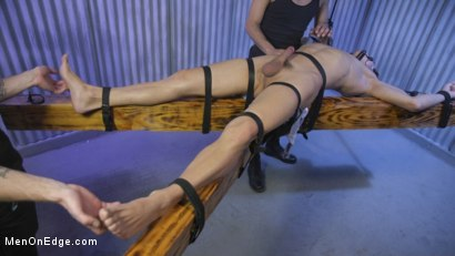 Photo number 14 from Muscle Twink Josh Hunter Edged in Captivity  shot for Men On Edge on Kink.com. Featuring Josh Hunter in hardcore BDSM & Fetish porn.
