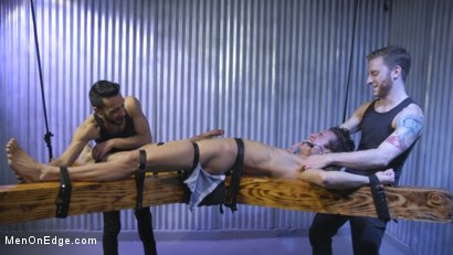 Photo number 18 from Muscle Twink Josh Hunter Edged in Captivity  shot for Men On Edge on Kink.com. Featuring Josh Hunter in hardcore BDSM & Fetish porn.