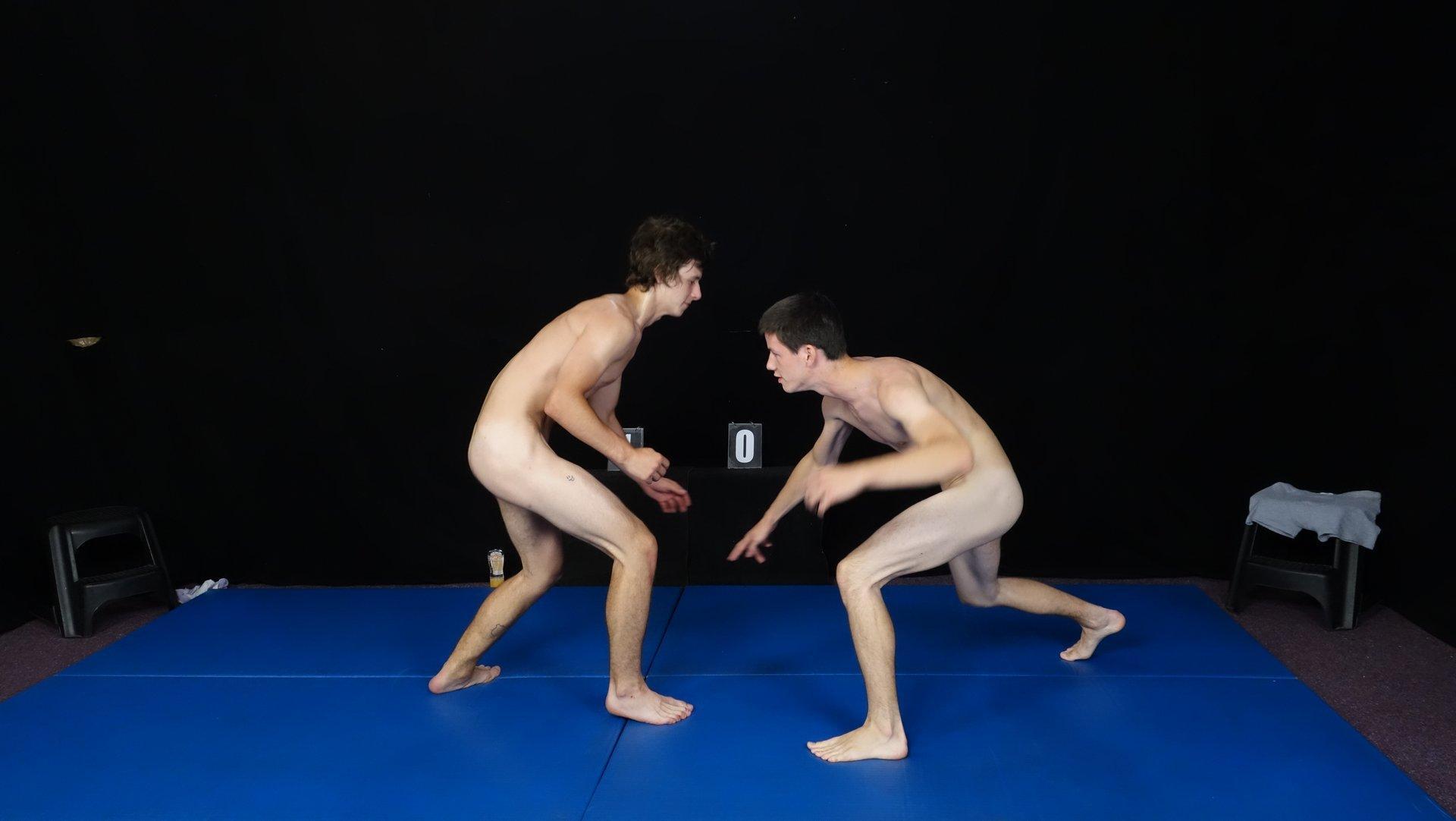 Tono vs Paul - WRESTLING
