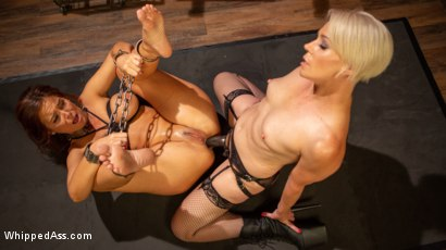 Syren de Mer Submits Every Hole to Helena Locke