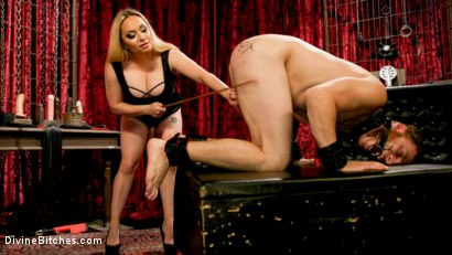 Photo number 5 from Lonely for your pain: Aiden Starr dominates partner Sebastian Keys shot for Divine Bitches on Kink.com. Featuring Aiden Starr and Sebastian Keys in hardcore BDSM & Fetish porn.