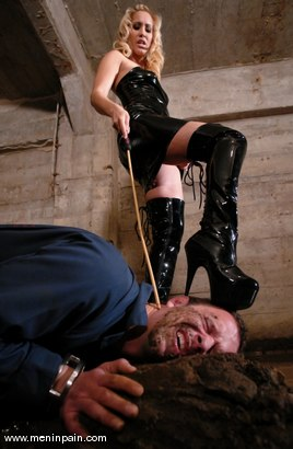 Photo number 3 from Isis Love and Billy shot for Men In Pain on Kink.com. Featuring Billy and Isis Love in hardcore BDSM & Fetish porn.