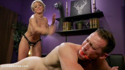 Photo number 17 from Couple's Cuckold Conundrum  shot for Divine Bitches on Kink.com. Featuring Dee Williams, Kip Johnson and Pierce Paris in hardcore BDSM & Fetish porn.