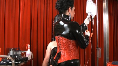 Photo number 4 from Born to be Wide: Chapter One shot for Carmen Rivera on Kink.com. Featuring Carmen Rivera, Rosi Rosetta, Mister P., Miss Chantalle and Lady Nancy in hardcore BDSM & Fetish porn.