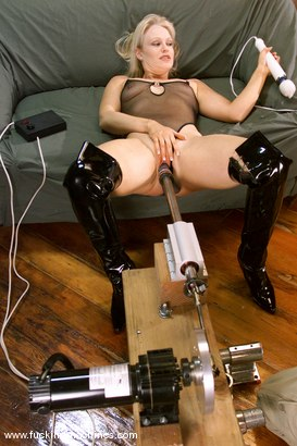 Photo number 1 from Emerald shot for Fucking Machines on Kink.com. Featuring Emerald in hardcore BDSM & Fetish porn.