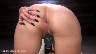 Photo number 3 from Blonde Squirting Slut Gets Fucked Out of Her Mind! shot for Fucking Machines on Kink.com. Featuring Lisey Sweet in hardcore BDSM & Fetish porn.