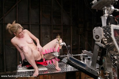 Photo number 2 from Fuckzilla meets his match shot for Fucking Machines on Kink.com. Featuring Fayth Deluca in hardcore BDSM & Fetish porn.