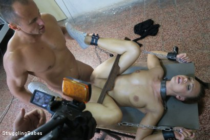 Photo number 9 from Morgan Stuck in a Torment Device shot for Struggling Babes on Kink.com. Featuring Morgan Rodriguez and Ridge in hardcore BDSM & Fetish porn.