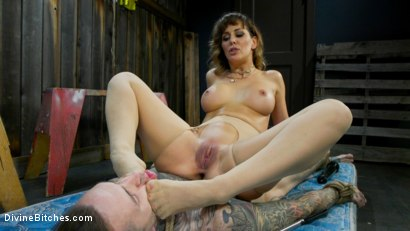 Photo number 14 from Reverse Abduction: Cherie DeVille outwits her captor and takes control shot for Divine Bitches on Kink.com. Featuring Cherie DeVille and Ruckus in hardcore BDSM & Fetish porn.