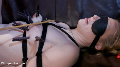 Photo number 9 from Fuck Love Party: Leigh Raven And Delirious Hunter Clear The Room shot for Whipped Ass on Kink.com. Featuring Leigh Raven and Delirious Hunter in hardcore BDSM & Fetish porn.