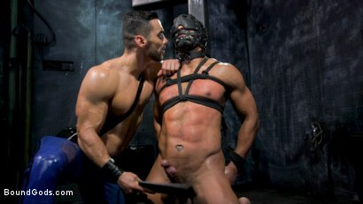 Photo number 9 from Dillon Diaz serves The House shot for Bound Gods on Kink.com. Featuring Arad Winwin and Dillon Diaz in hardcore BDSM & Fetish porn.