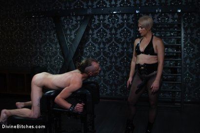 Photo number 2 from Locked and Loaded: Helena Locke drives Jessie Sparkles to the edge shot for Divine Bitches on Kink.com. Featuring Helena Locke and Jessie Sparkles in hardcore BDSM & Fetish porn.