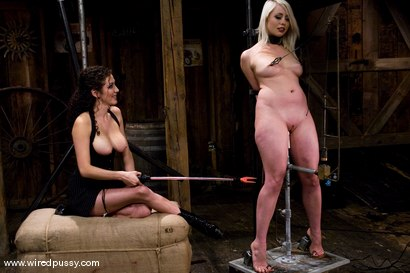 Photo number 8 from Live Show: Part 1 shot for Wired Pussy on Kink.com. Featuring Lorelei Lee and Sara Scott in hardcore BDSM & Fetish porn.
