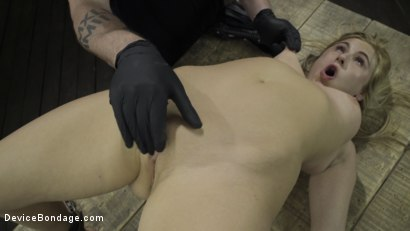 Photo number 11 from Fresh Meat: Lindsey Cruz in Device Bondage and Squirting shot for Device Bondage on Kink.com. Featuring Lindsey Cruz in hardcore BDSM & Fetish porn.