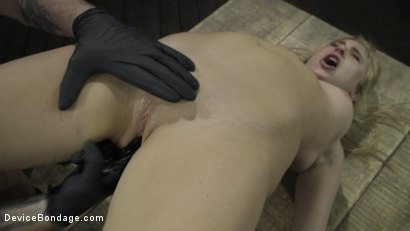 Photo number 14 from Fresh Meat: Lindsey Cruz in Device Bondage and Squirting shot for Device Bondage on Kink.com. Featuring Lindsey Cruz in hardcore BDSM & Fetish porn.