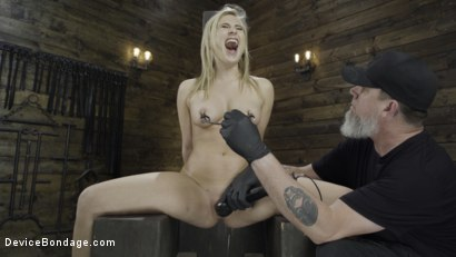 Photo number 7 from Fresh Meat: Lindsey Cruz in Device Bondage and Squirting shot for Device Bondage on Kink.com. Featuring Lindsey Cruz in hardcore BDSM & Fetish porn.