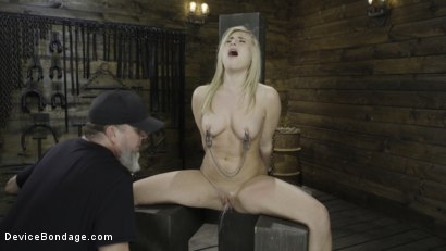 Photo number 8 from Fresh Meat: Lindsey Cruz in Device Bondage and Squirting shot for Device Bondage on Kink.com. Featuring Lindsey Cruz in hardcore BDSM & Fetish porn.
