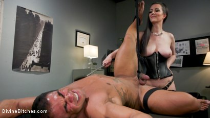Photo number 13 from Office Boy: Cherry Torn's New Stupid Beefy Boy Toy shot for Divine Bitches on Kink.com. Featuring Draven Navarro and Cherry Torn in hardcore BDSM & Fetish porn.