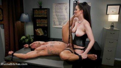 Photo number 15 from Office Boy: Cherry Torn's New Stupid Beefy Boy Toy shot for Divine Bitches on Kink.com. Featuring Draven Navarro and Cherry Torn in hardcore BDSM & Fetish porn.