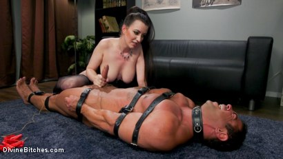 Photo number 22 from Office Boy: Cherry Torn's New Stupid Beefy Boy Toy shot for Divine Bitches on Kink.com. Featuring Draven Navarro and Cherry Torn in hardcore BDSM & Fetish porn.