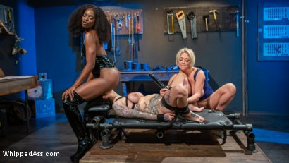 Photo number 17 from Kinky Workshop: Ana Foxxx & Dee Williams Strap-On DP Arabelle Raphael shot for Whipped Ass on Kink.com. Featuring Dee Williams, Ana Foxxx and Arabelle Raphael in hardcore BDSM & Fetish porn.