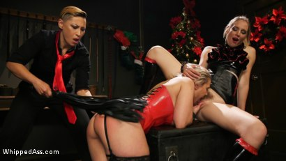 Photo number 15 from Holiday Gift: Angel Allwood is Mona Wales & Fox Acecaria's Slutty Toy shot for Whipped Ass on Kink.com. Featuring Mona Wales, Angel Allwood and Fox Acecaria in hardcore BDSM & Fetish porn.