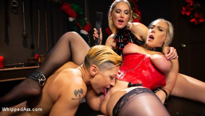 Photo number 5 from Holiday Gift: Angel Allwood is Mona Wales & Fox Acecaria's Slutty Toy shot for Whipped Ass on Kink.com. Featuring Mona Wales, Angel Allwood and Fox Acecaria in hardcore BDSM & Fetish porn.