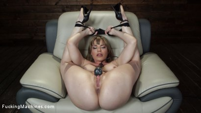 Photo number 4 from Kink Legend Dana DeArmond is Back to Fuck Our Machines shot for Fucking Machines on Kink.com. Featuring Dana DeArmond in hardcore BDSM & Fetish porn.