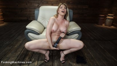 Photo number 7 from Kink Legend Dana DeArmond is Back to Fuck Our Machines shot for Fucking Machines on Kink.com. Featuring Dana DeArmond in hardcore BDSM & Fetish porn.