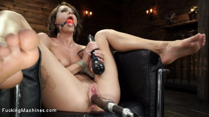 Photo number 16 from Emma Hix: Sex Kitten Tied and Machine Fucked Into Oblivion shot for Fucking Machines on Kink.com. Featuring Emma Hix in hardcore BDSM & Fetish porn.