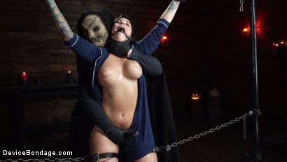 Photo number 13 from Nightmares Do Come True: Ivy LeBelle Confronted By Her Fears shot for Device Bondage on Kink.com. Featuring Ivy LeBelle in hardcore BDSM & Fetish porn.