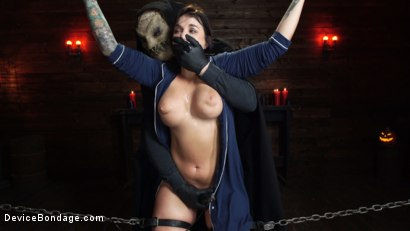 Photo number 15 from Nightmares Do Come True: Ivy LeBelle Confronted By Her Fears shot for Device Bondage on Kink.com. Featuring Ivy LeBelle in hardcore BDSM & Fetish porn.